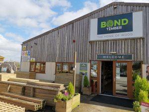 Johny Cowling Visits Bond Timber