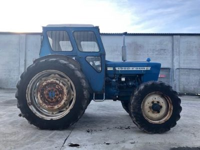 County 4000 FOUR Tractor