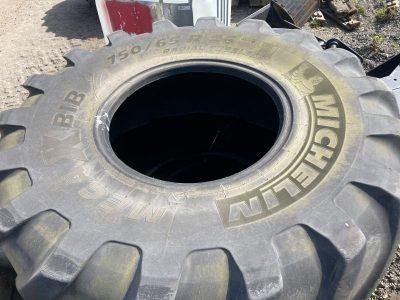 4x Michelin 750/65 R26 Tyres