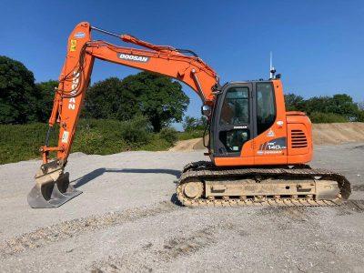2013 Doosan DX140LCR- 3 Excavator
